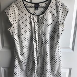 Oh Baby! Motherhood black and white polka dot top